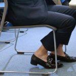 会社でソックス履かなくたって、ええやん