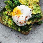 最高の1日の始め方は、朝食前の腹筋と有酸素運動に在り。