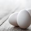 筋トレして朝に卵3個食べた結果、抜け毛が明らかに減るし、肌がすべすべになった
